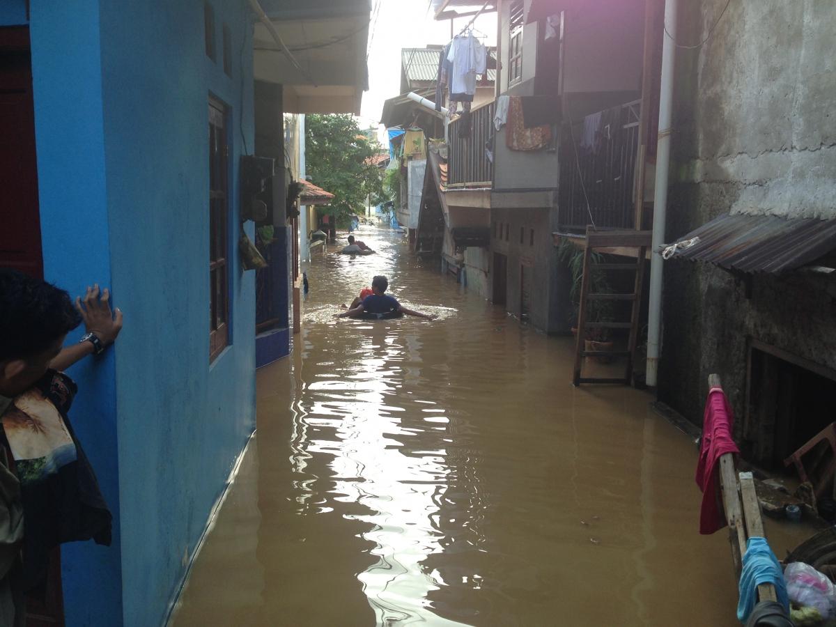 A neighborhood in East Jarkata during monsoon flooding. (Photo: Etienne Turpin)